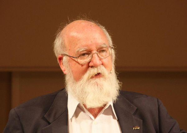 https://commons.wikimedia.org/wiki/File:Daniel_dennett_Oct2008.JPG