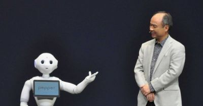 "SoftBank CEO Promises ""Super Artificial Intelligences"" With IQ of 10,000 in 30 Years"